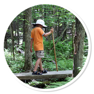kid-hiking